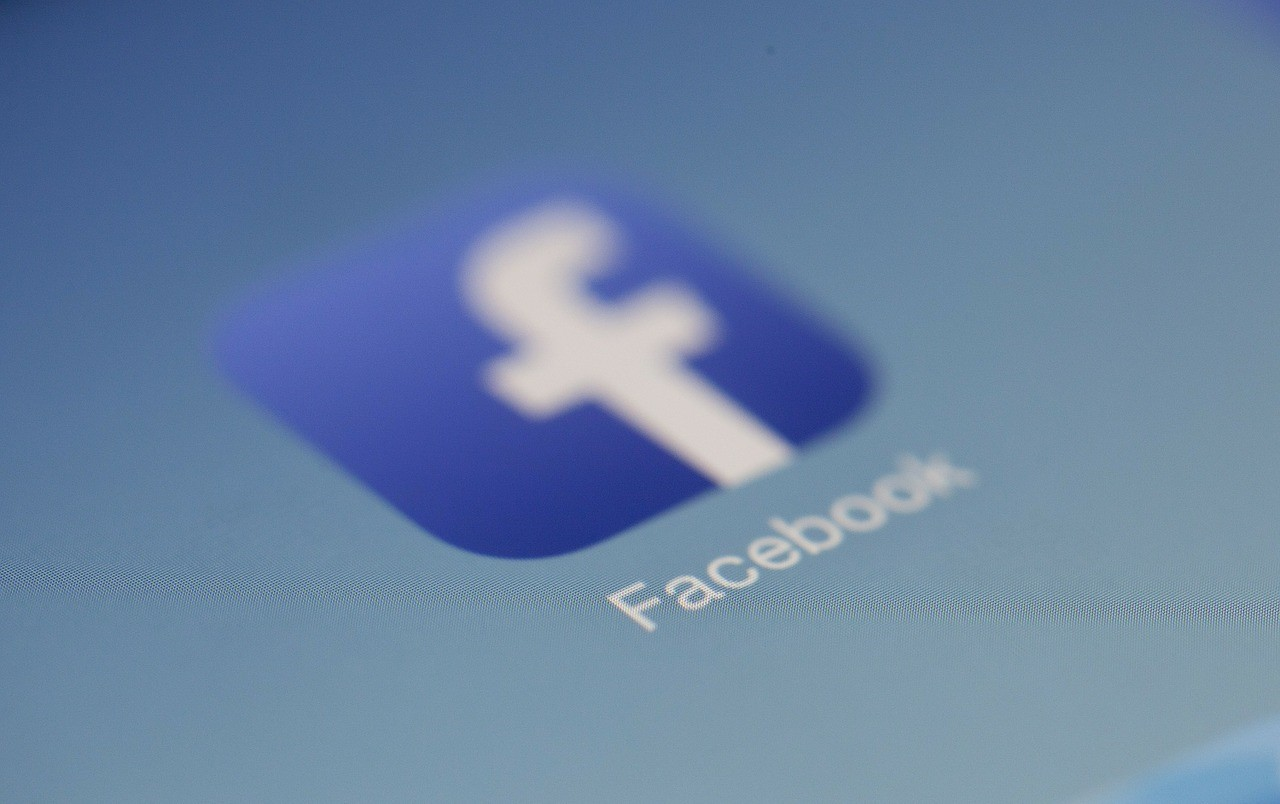 Supreme Court on Restricting Sex Offenders' Social Media Access